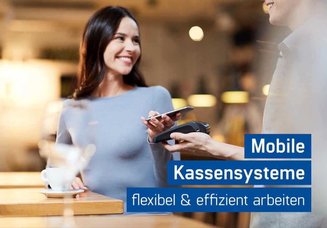 Mobile Kassensysteme Gastronomie flexibel & effizient, Frau bezahlt an mobiler Kasse