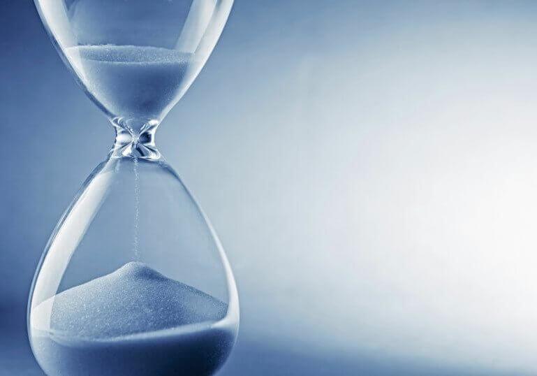 blaue Sanduhr: Erfassung der Arbeitszeiten in der Gastronomie, Zeiterfassung Add-On Kassensoftware Erweiterung
